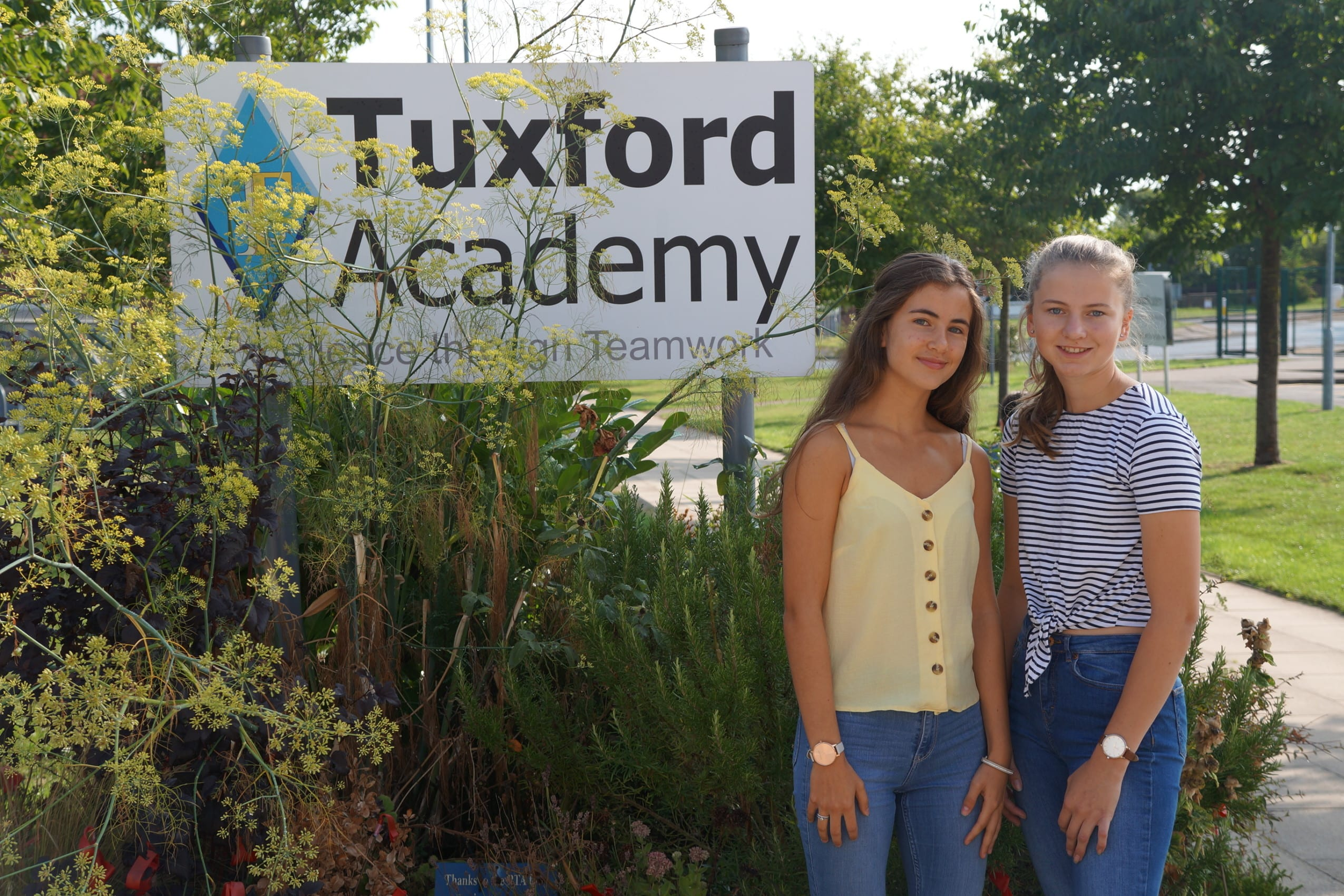 Excellent GCSE grades celebrated at Tuxford Academy