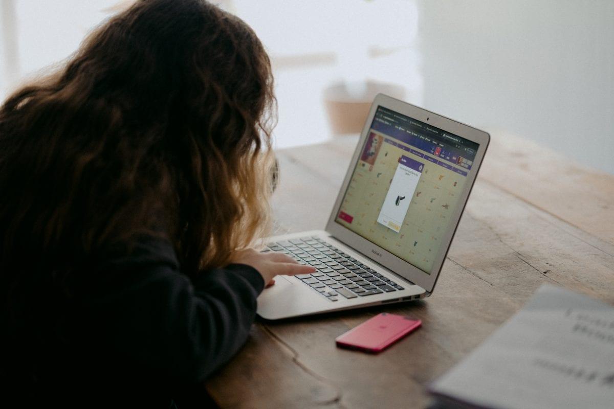 Top ten boredom hacks for teens online